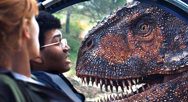 'Jurassic World' sequel stomps its way to $150 million debut