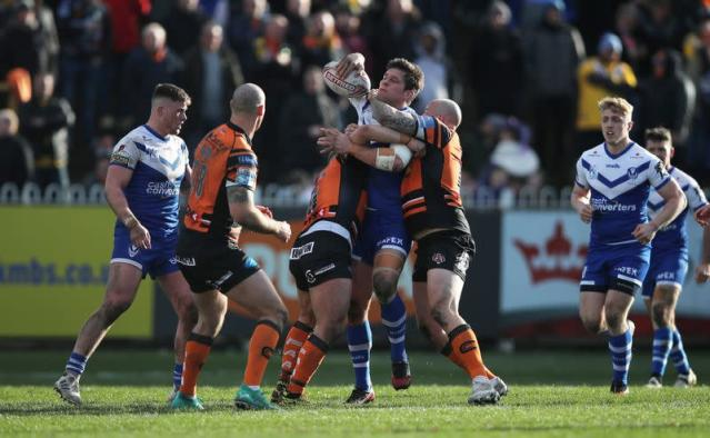 Super League - Castleford Tigers v St Helens