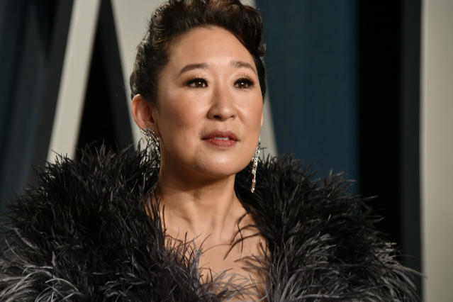 Sandra Oh attends the 2020 Vanity Fair Oscar Party hosted by Radhika Jones at Wallis Annenberg Center for the Performing Arts on February 09, 2020 in Beverly Hills, California. (Photo by Frazer Harrison/Getty Images)