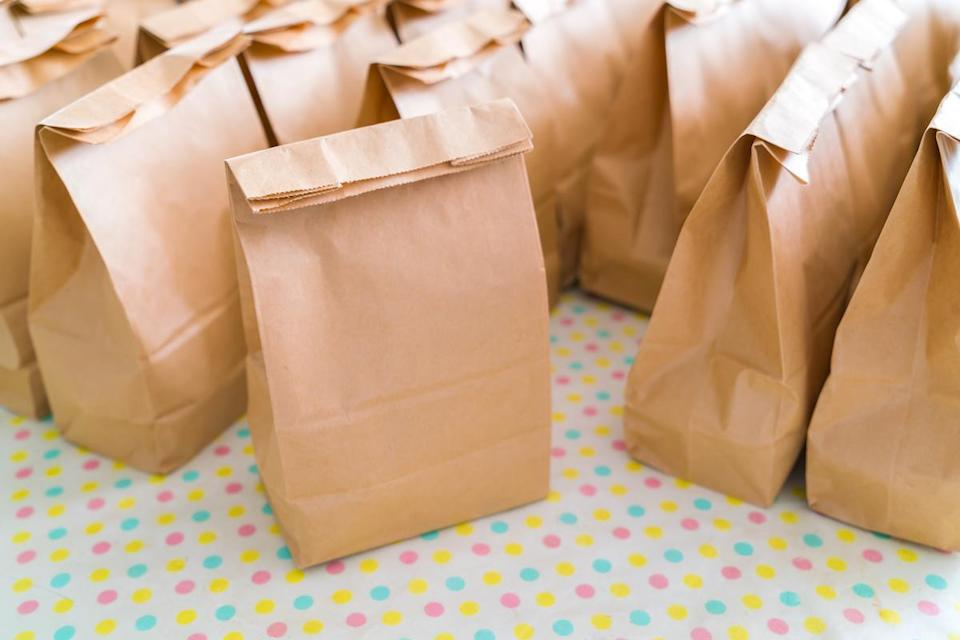 "<p>Paper bags are not friends of the microwave. You may be wondering, ""How come I can <a href=""https://www.thedailymeal.com/eat/microwave-popcorn-taste-test?referrer=yahoo&category=beauty_food&include_utm=1&utm_medium=referral&utm_source=yahoo&utm_campaign=feed"" rel=""nofollow noopener"" target=""_blank"" data-ylk=""slk:microwave popcorn"" class=""link rapid-noclick-resp"">microwave popcorn</a> then?"" Well, those bags are safe because they contain a material made to consume radio waves. Other paper bags, like the ones you get at the grocery store <a href=""https://www.thedailymeal.com/cook/school-lunch-ideas-kids-will-actually-eat-0?referrer=yahoo&category=beauty_food&include_utm=1&utm_medium=referral&utm_source=yahoo&utm_campaign=feed"" rel=""nofollow noopener"" target=""_blank"" data-ylk=""slk:to pack lunches"" class=""link rapid-noclick-resp"">to pack lunches</a>, do not, and can release toxins and fumes when warmed. They could also catch fire.</p>"