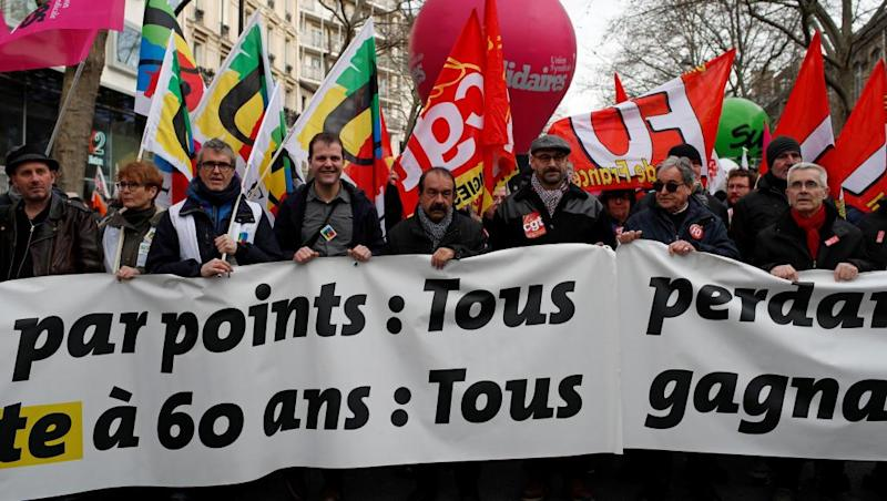 Fresh protests hope to breathe new life into France's 'dead end' strike