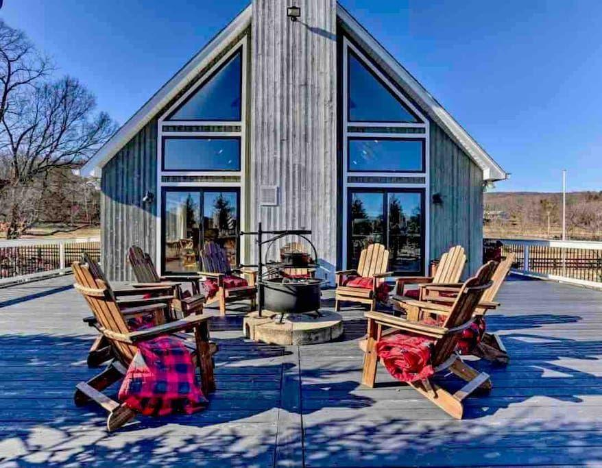"""<p><strong>Glenwood</strong></p><p>airbnb.com</p><p><strong>$1300.00</strong></p><p><a href=""""https://www.airbnb.com/rooms/42167429"""" rel=""""nofollow noopener"""" target=""""_blank"""" data-ylk=""""slk:BOOK NOW"""" class=""""link rapid-noclick-resp"""">BOOK NOW</a></p><p>This luxe Glenwood home on a 47-acre farm features a chef's kitchen and two wood fireplaces, but it's the neighborhood complete with wineries and orchards aplenty that made this pick #1 among New Yorkers needing a weekend away.</p>"""