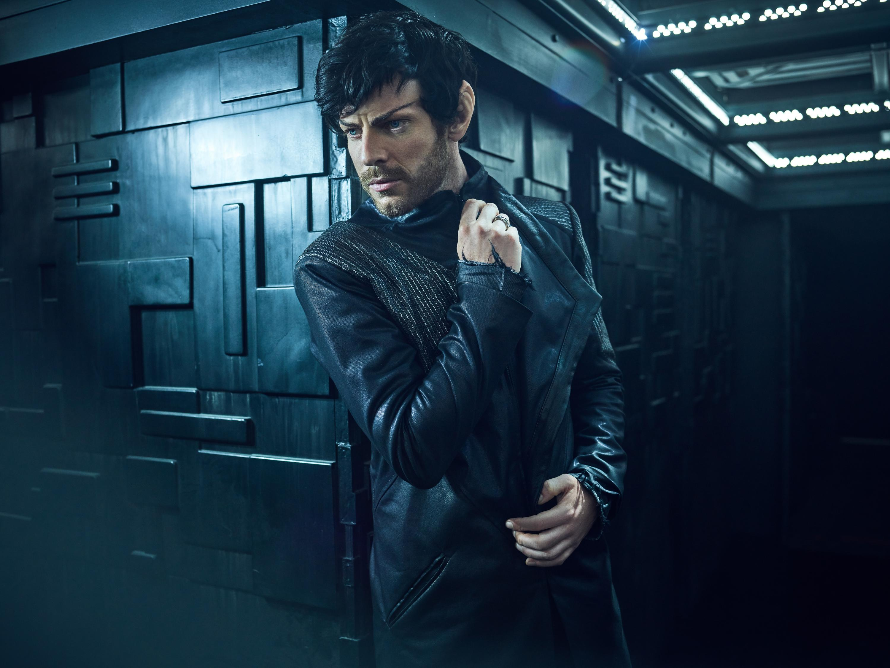 Pictured: Harry Treadaway as Narek of the CBS All Access series STAR TREK: PICARD. (Photo Cr: James Dimmock/CBS ©2019 CBS Interactive, Inc. All Rights Reserved.)