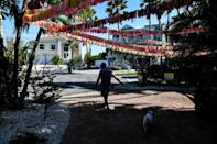 Some 30,000 ribbons hung in March by a resident of Anna Maria Island, Florida, in tribute to residents of the state killed by Covid-19