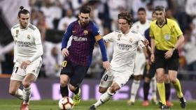 Clasico leaves Real Madrid and Barca vulnerable to distractions