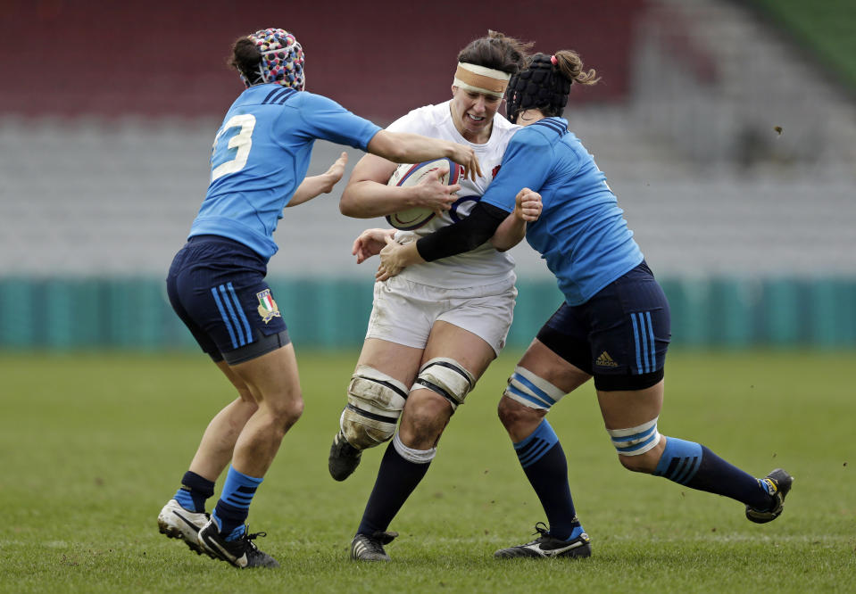 Captain Sarah Hunter marked her long-awaited return from injury by helping England beat Italy 67-3 in the Women's Six Nations © REUTERS