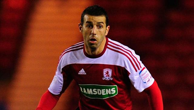 Former Sunderland and Middlesbrough midfielder Julio Arca is set to fulfil a lifelong ambition of playing at Wembley when South Shields face Cleethorpes in the FA Vase final in May. The 36-year-old has made 317 league appearances in England, but has never had the opportunity to play at the prestigious national stadium. Remember Julio Arca? The ex-Sunderland man is set to play at Wembley for the first time... at 36. Read more: https://t.co/pqFDK3JPdW pic.twitter.com/2224O1h9QK — BBC Sport...