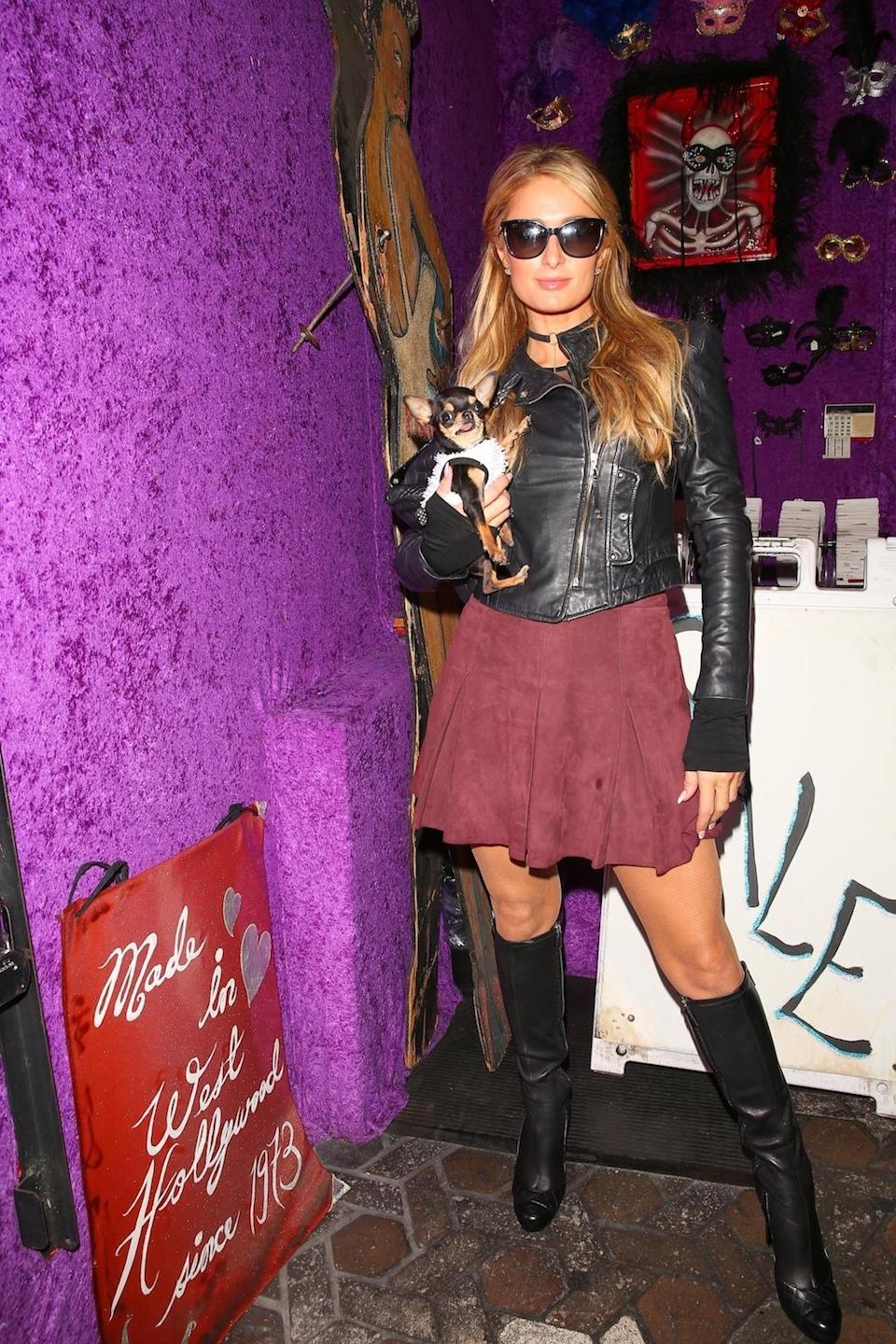 """<p>There are a few things that you can count on seeing in Hollywood every Halloween. One is Heidi Klum <a rel=""""nofollow"""" href=""""https://www.yahoo.com/entertainment/halloween-queen-heidi-klum-teases-costume-214054923.html"""" data-ylk=""""slk:prepping her costume;outcm:mb_qualified_link;_E:mb_qualified_link;ct:story;"""" class=""""link rapid-noclick-resp yahoo-link"""">prepping her costume</a> much sooner than the rest of us, and another is Hilton picking out a sexy (fill in the blank here) costume at the store Trashy Lingerie. (Photo: Backgrid) </p>"""