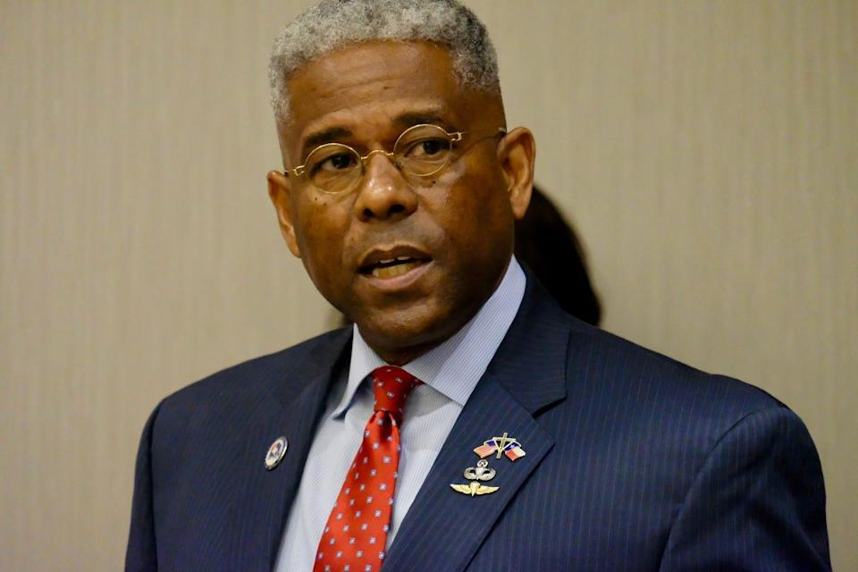 Texas GOP Chairman Allen West speaks at Friday news conference in Georgetown.