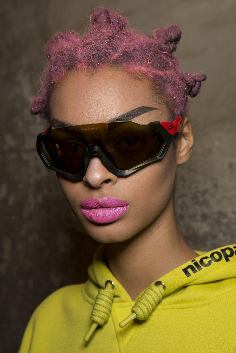 <p>Matching your lipstick to your hair never looked so cool as it did backstage at Nicopanda.</p>