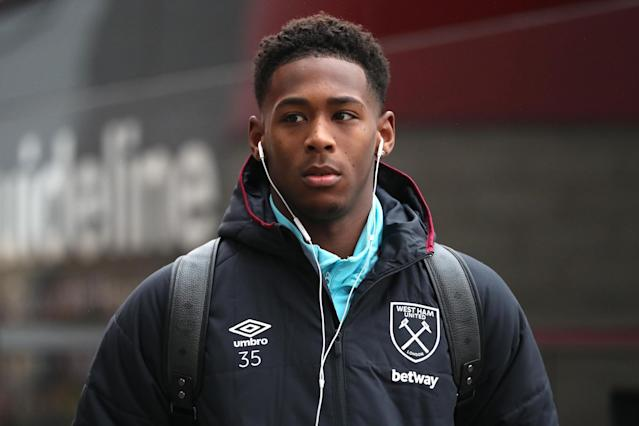 West Ham set to confirm Reece Oxford loan deal to Borussia Monchengladbach