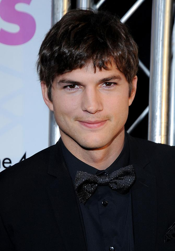 "<a href=""http://movies.yahoo.com/movie/contributor/1800354733"">Ashton Kutcher</a> at the Los Angeles premiere of <a href=""http://movies.yahoo.com/movie/1810076153/info"">Killers</a> - 06/01/2010"