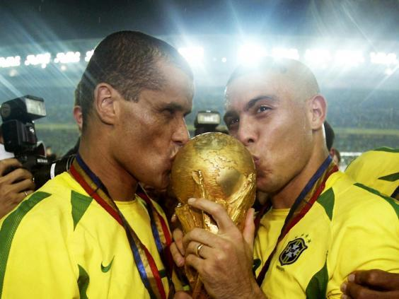 Brazil lift the trophy once again (Getty Images)