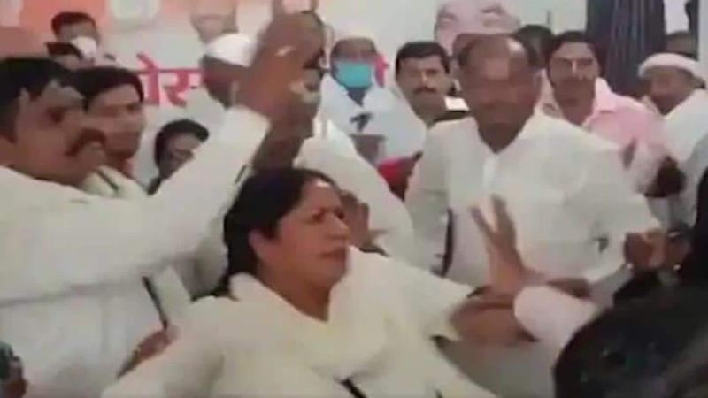 Woman Congress worker thrashed in Uttar Pradesh