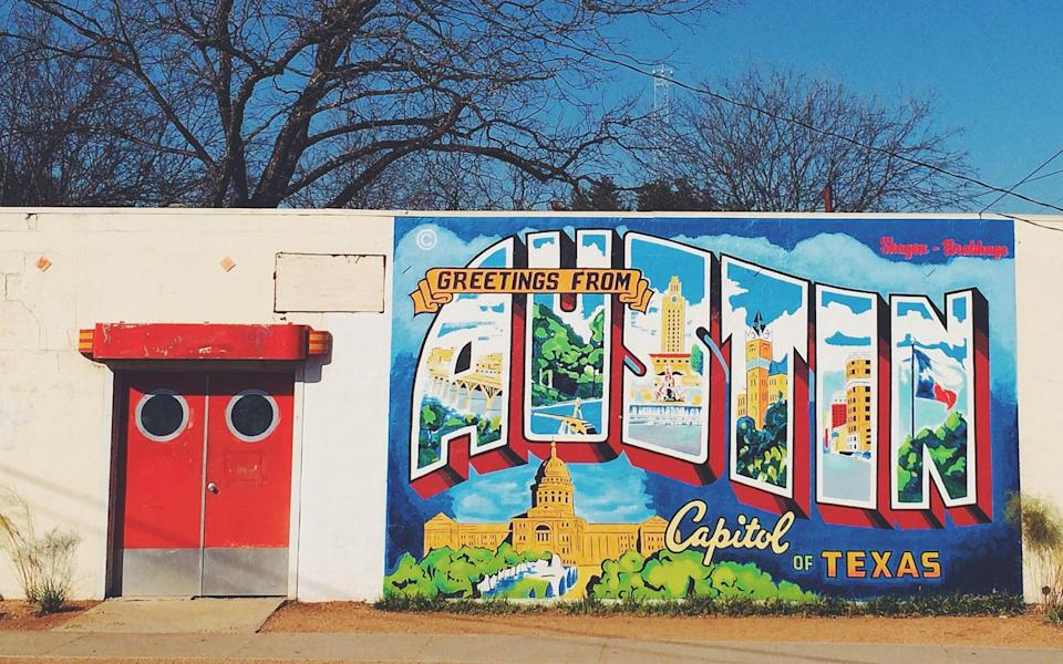 Murals can be found in every urban neighbourhood of Austin – it is a cornerstone of the city's identity - Copyright 2014 Magalie L'Abbé. All rights reserved.