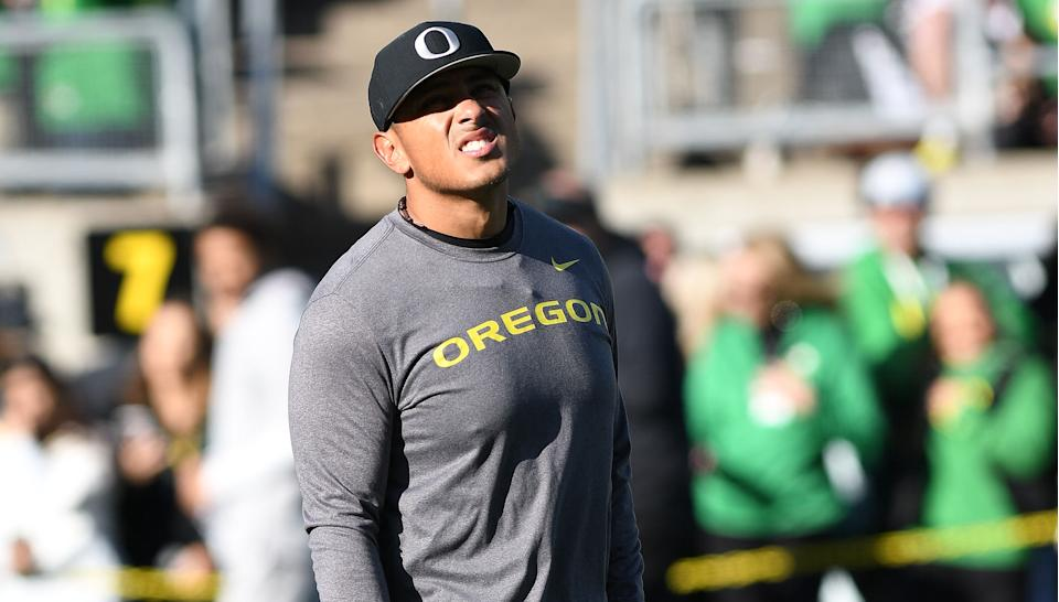 Oregon Ducks defensive coordinator Andy Avalos on the field prior to the start of the game during a college football game between Cal and Oregon. (Brian Murphy/Icon Sportswire via Getty Images)