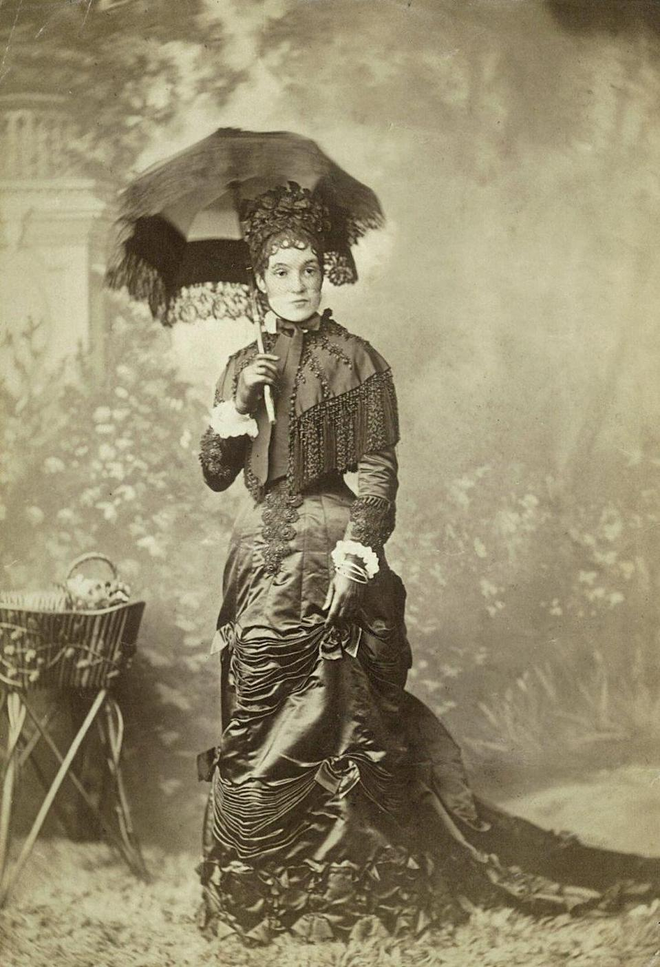 <p>Entering the Victorian era, women's dresses were almost uniform like. Black or white was the color of choice for conservative, well-to-do women, and styles were designed with high necks and long sleeves. </p>