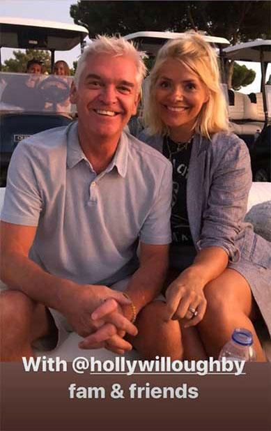 holly-willoughby-phillip-schofield-holiday