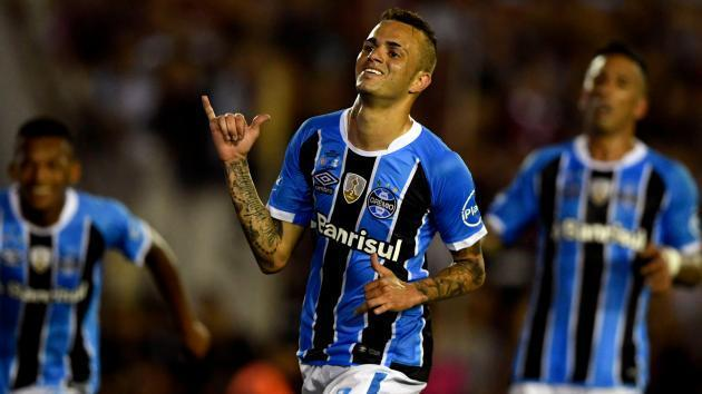 <p>Gremio star Luan rubbishes Liverpool link</p>