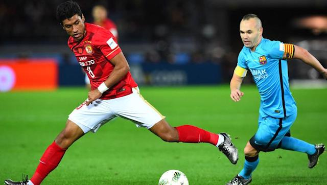 <p>Don't adjust your screen, you're reading this correctly. </p> <br><p>Paulinho will be Barcelona's fourth most expensive signing in their history. The €40m move from Guangzhou Evergrande is a huge surprise, after a tough spell at Tottenham and then three years in the Chinese Super League.</p> <br><p>It appears unlikely that PSG will move in to meet the €120m release clause of this particular Brazilian at Barcelona.</p>