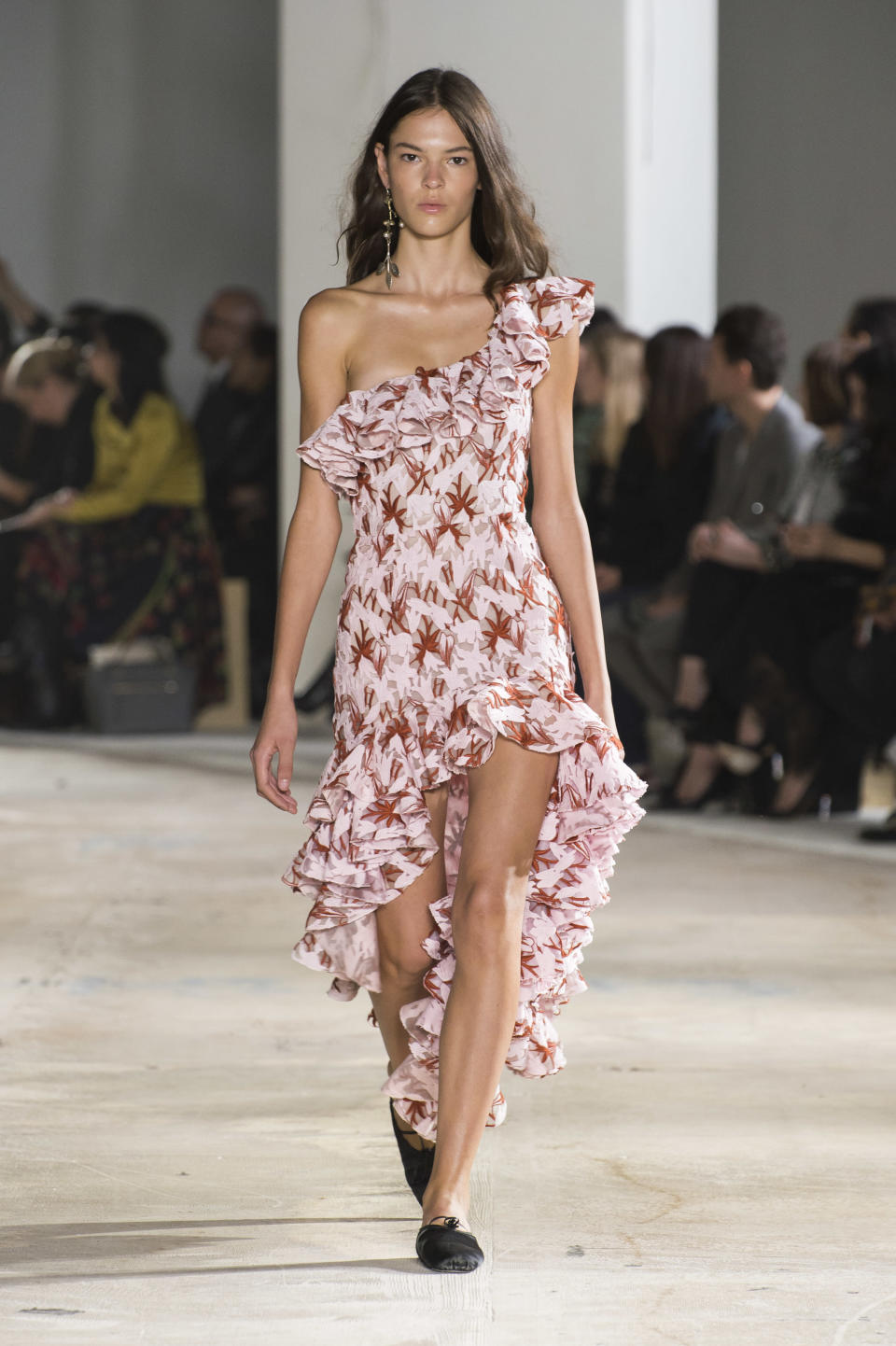 <p><i>Pink one shoulder print ruffled dress from the SS18 Giambattista Valli collection. (Photo: ImaxTree) </i></p>