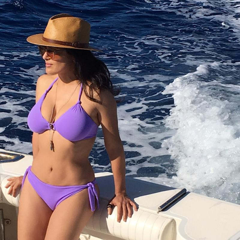 Home Water Filter >> '#NoFilter': Salma Hayek, 51, Enjoys the Ocean In Sexy Purple Bikini
