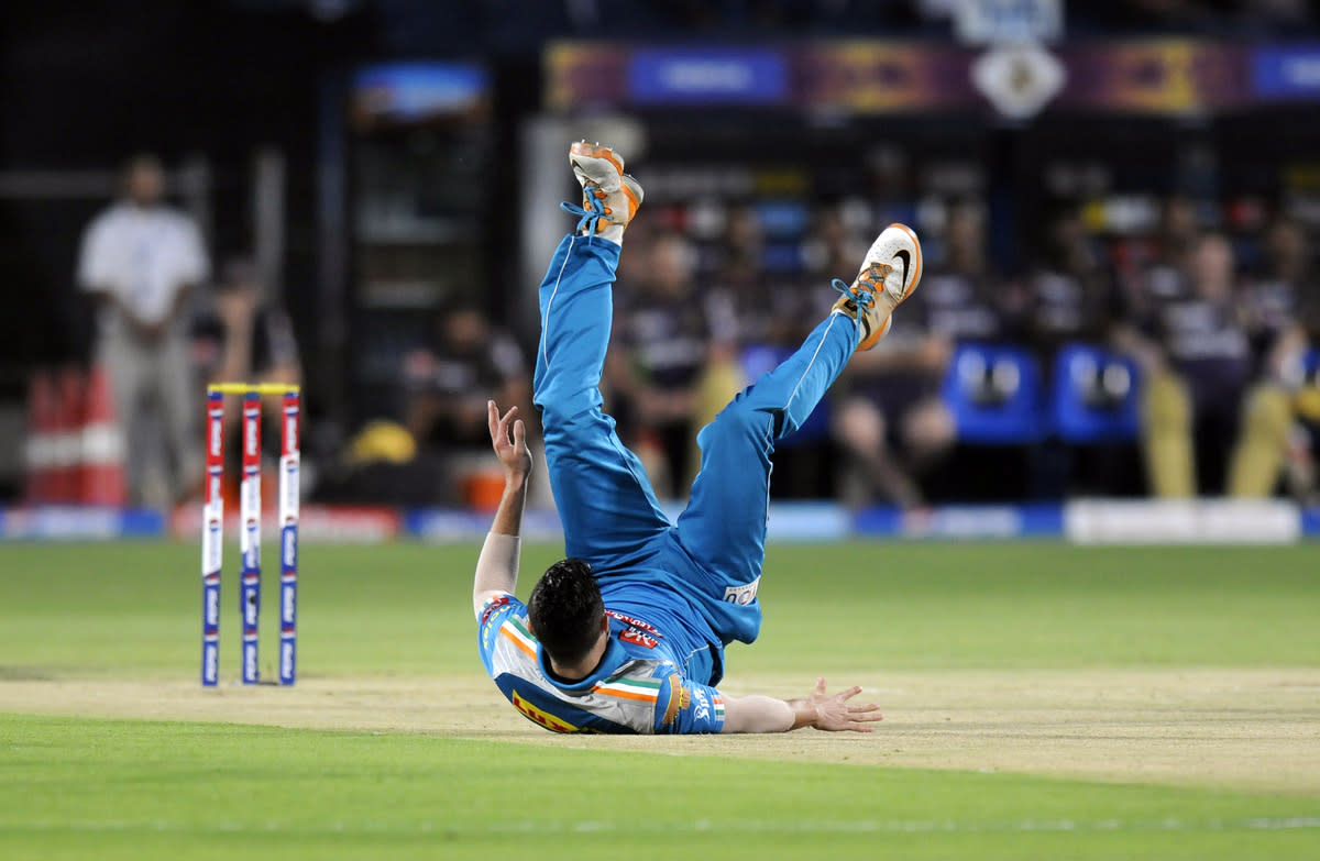 Wayne Parnell of Pune Warriors looses his grip as he bowls during match 56 of the Pepsi Indian Premier League ( IPL) 2013  between The Pune Warriors India and the Kolkata Knight Riders held at the Subrata Roy Sahara Stadium, Pune on the 9th May 2013. (BCCI)