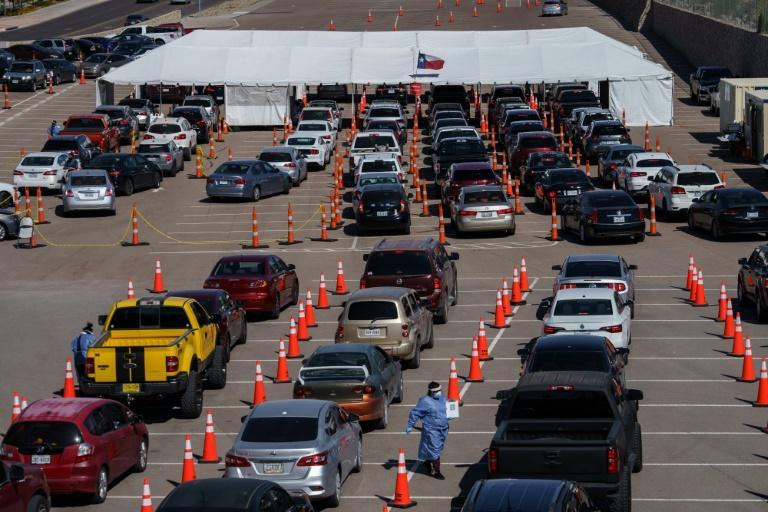 Cars line up for Covid-19 tests at the University of Texas El Paso on October 23, 2020