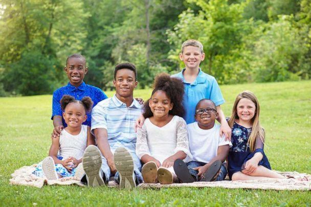 PHOTO: Gabrielle Fessenden and Shannon Fessenden adopted Jordan, 15, Jay, 10, Myah, 9, Jericho, 5, Briella 4 and Mason, 2. The brothers and sisters join the Fessendens' biological children, Scott, 11 and Giana, 8. (PawPrints.Photography)