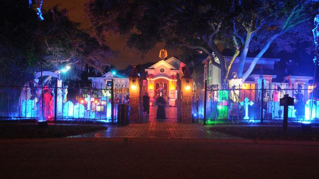 Top 7 Outrageous Halloween Houses