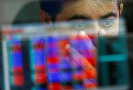 Nifty, Sensex rise; IT, banks lead
