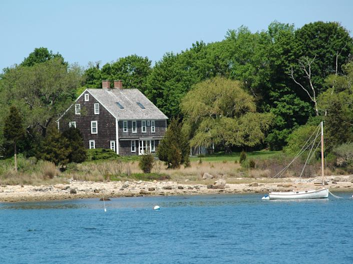 A house in front of the water on Shelter Island, NY