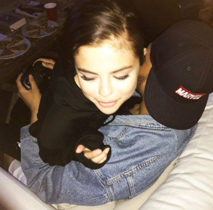 "<p>Selena Gomez and video games … what more does the Weeknd need? The ""Starboy"" singer shared a pic on his Instagram story of himself cuddling with his girlfriend while holding a controller. Talk about a good multitasker! <a rel=""nofollow"" href=""https://www.yahoo.com/celebrity/apos-home-apos-weeknd-cuddles-202455492.html"">He wrote simply, ""Home,"" across the photo</a>. <i>Aww</i>. (Photo: The Weeknd via Instagram) </p>"