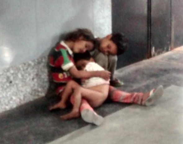 Children abandoned at railway station saved by journalist's tweet