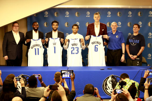 "The lead-up to the trade deadline heated up last Thursday when the Knicks sent budding superstar <a class=""link rapid-noclick-resp"" href=""/nba/players/5464/"" data-ylk=""slk:Kristaps Porzingis"">Kristaps Porzingis</a> to the <a class=""link rapid-noclick-resp"" href=""/nba/teams/dallas/"" data-ylk=""slk:Mavericks"">Mavericks</a>. (Photo by Glenn James/NBAE via Getty Images)"
