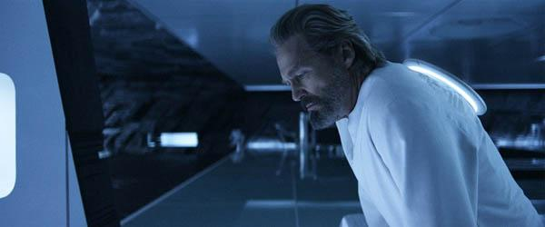 "Jeff Bridges as Kevin Flynn (""Tron: Legacy"") — While we won't try to explain the convoluted plot of 1982's computerized adventure ""Tron"" or its inexplicable 2010 sequel ""Tron: Legacy,"" what we can say is that actor Jeff Bridges played the same role — that of computer wiz Kevin Flynn - in both movies. Playing the same character nearly 30 years later has got to be some kind of Hollywood record. Not only did Bridges play an older version of Flynn, but he also played the much younger villain CLU, thanks to digital makeup visual effects."