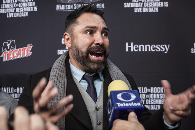 Oscar De La Hoya speaks to the press during the Canelo vs. Rocky welcome party at Ainsworth Chelsea on Dec. 11, 2018 in New York City. (Bill Tompkins/Getty Images)