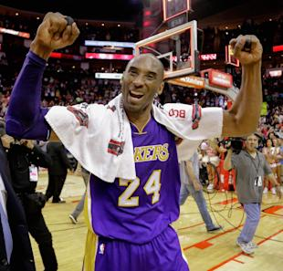 Kobe Bryant scored 35 points against the Rockets. (Getty Images)