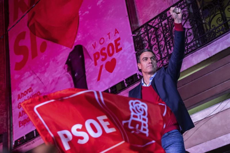 Spain's Prime Minister and Socialist Party leader Pedro Sanchez gestures to supporters outside the party headquarters following the general election in Madrid, Spain, Sunday, Nov.10, 2019. Spain's Interior Ministry says that early results show Socialists winning Spain's national election, but without a clear end to the country's political deadlock. (AP Photo/Bernat Armangue)