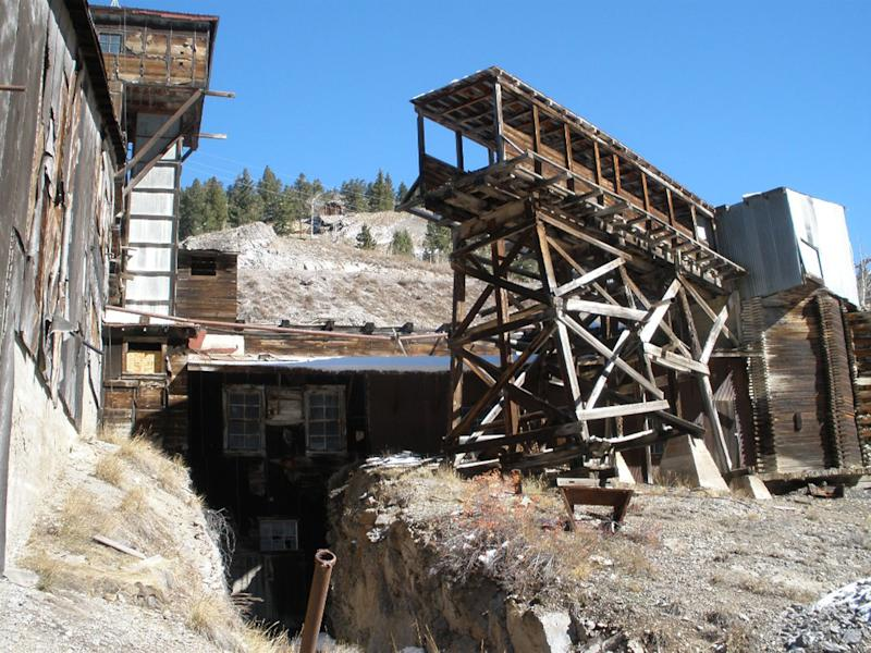 Colo. county sees tourism in historic silver mine