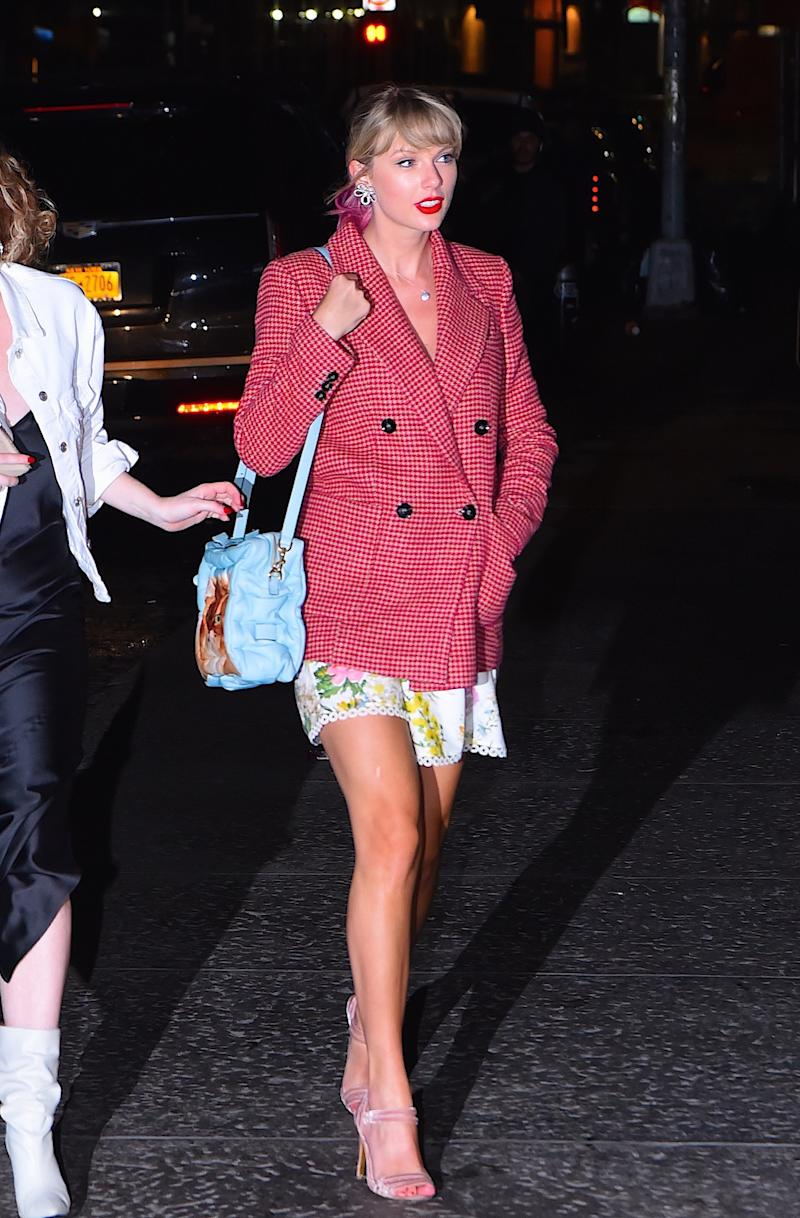 ca6446a546 Taylor Swift arriving to Gigi Hadid s 24th birthday in New York City on  April 22