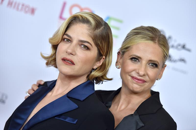 Selma Blair and Sarah Michelle Gellar attend the 26th Annual Race to Erase MS Gala at The Beverly Hilton Hotel on May 10, 2019 in Beverly Hills, California. (Photo by Axelle/Bauer-Griffin/FilmMagic)