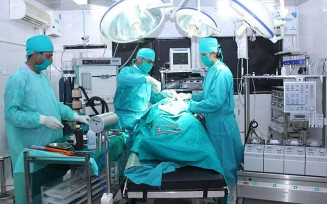 Maharashtra: Government to take strict action if private hospitals overcharge medicines, medical equipment
