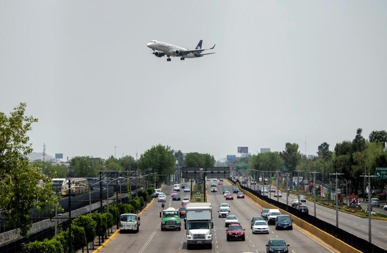 An Aeromexico airlines plane lands at Mexico City's Benito Juarez airport on May 20, 2020