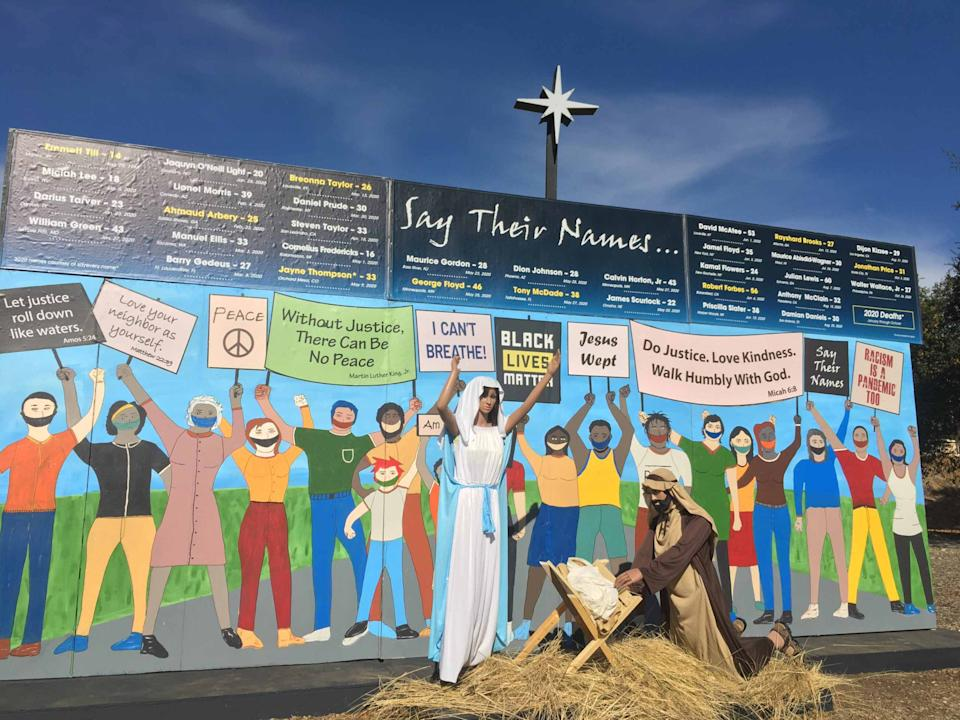 A church in Southern California places its nativity scene amongst a Black Lives Matter protest. (Photo: Claremont United Methodist Church)