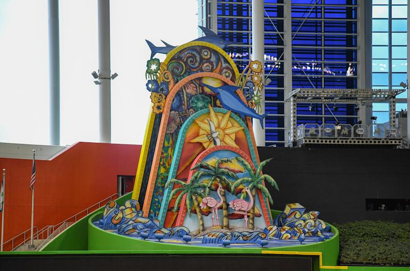 Dade grants Jeter permission to remove Marlins home run sculpture