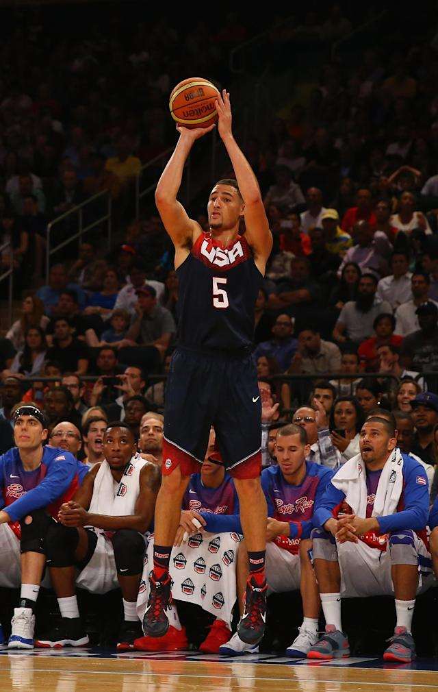 Klay Thompson nails running 3-pointer to beat first-half buzzer for Team USA (Video)