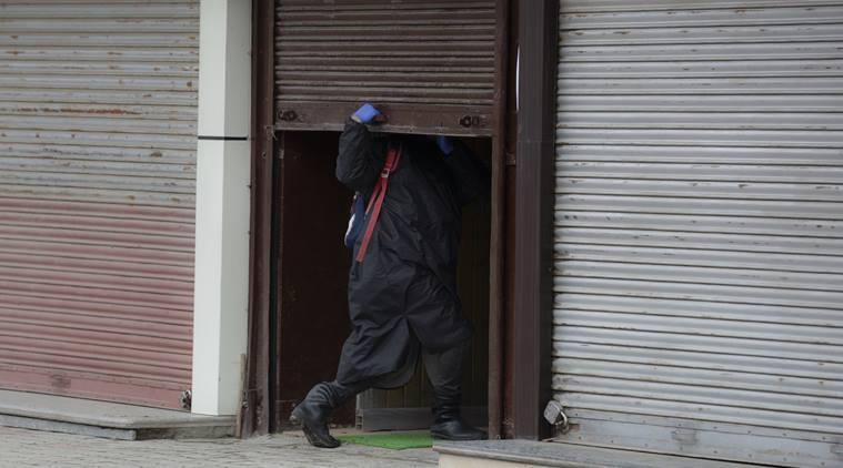 coronavirus, kashmir coronavirus, kashmir coronavirus death, covid-19, india lockdown, indian express