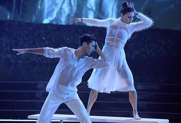 Who won the Mirrorball Trophy on 'Dancing with the Stars' last night?