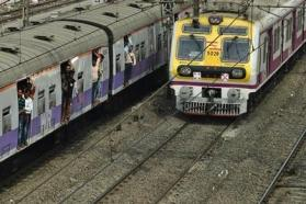 Alert motorman saves commuter injured after falling off train